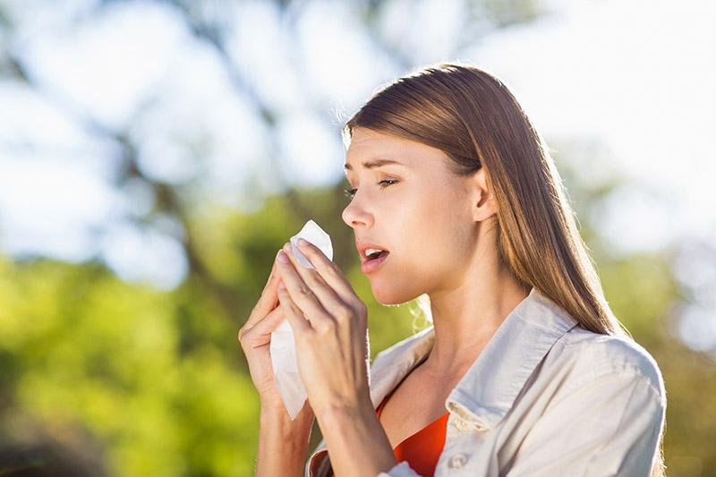 Inhalieren bei Heuschnupfen und Pollenallergie